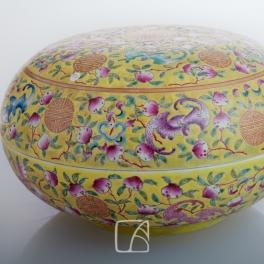 Boîte en porcelaine, dynastie Qing