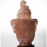 Grand vase couvert en quartz rose